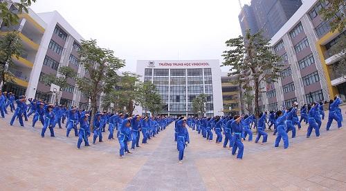 chuong-trinh-giao-duc-toan-dien-5-trong-1-anh-4