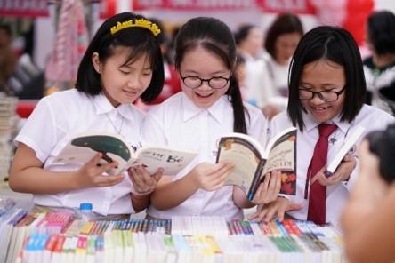 Khuyến khích trẻ đọc sách: Cần sự chung tay giữa Nhà trường và Phụ huynh