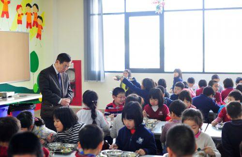 Giáo sư Nhật Bản chia sẻ kinh nghiệm Chương trình dinh dưỡng học đường với Vinschool