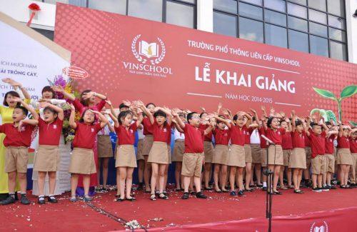 Lễ khai giảng của Trường PTLC Vinschool năm học 2014 – 2015