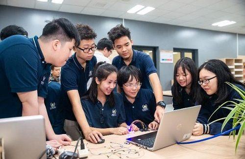 THPT Vinschool là một trong 20 trường THPT tham gia đề án STEM được tài trợ bởi Tập đoàn Vingroup