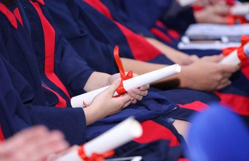 Lễ trưởng thành dành cho học sinh khối 12