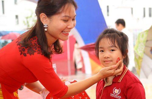 """Những tình cảm của một người mẹ có 3 con đang theo học tại Vinschool: """"Vinschool, nơi chắp cánh ước mơ!"""""""
