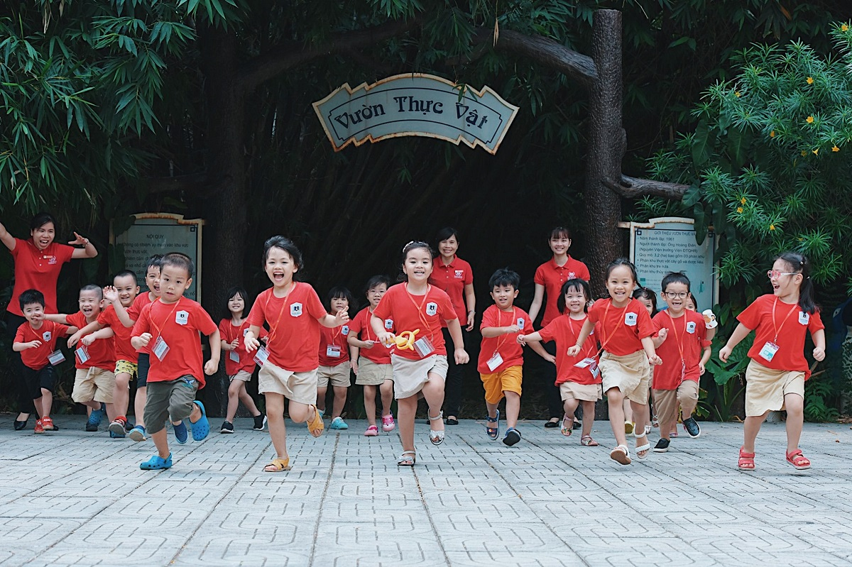 """Chuyến """"phiêu lưu"""" kỳ thú của Vinsers tại Bảo tàng Tài nguyên rừng"""