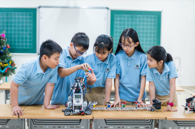 CLB STEM – ROBOTICS