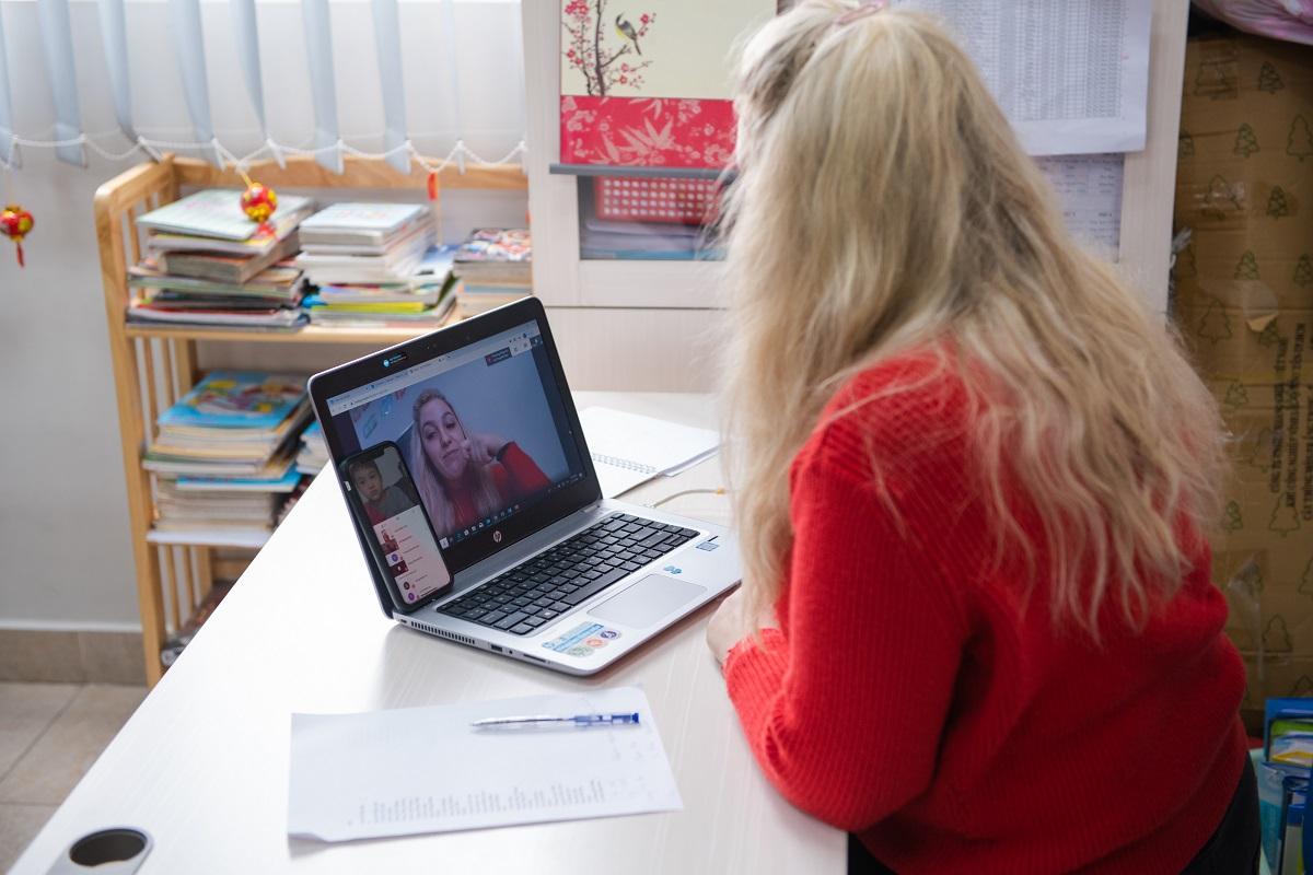 Lớp học trực tuyến tại Vinschool trong mùa dịch Corona