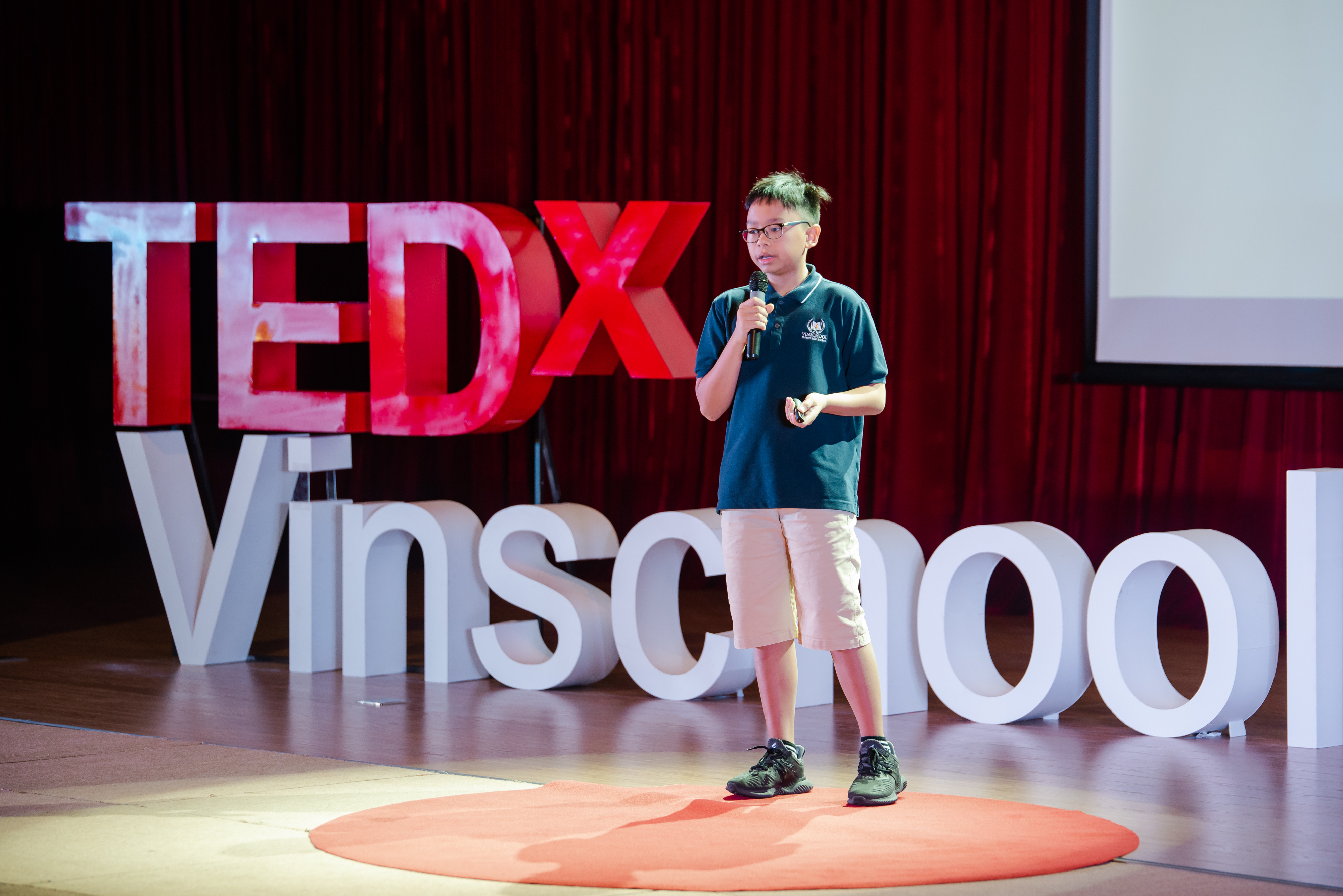 Leaders throughout the years   Nguyen Duc Minh   TEDxVinschoolHanoi