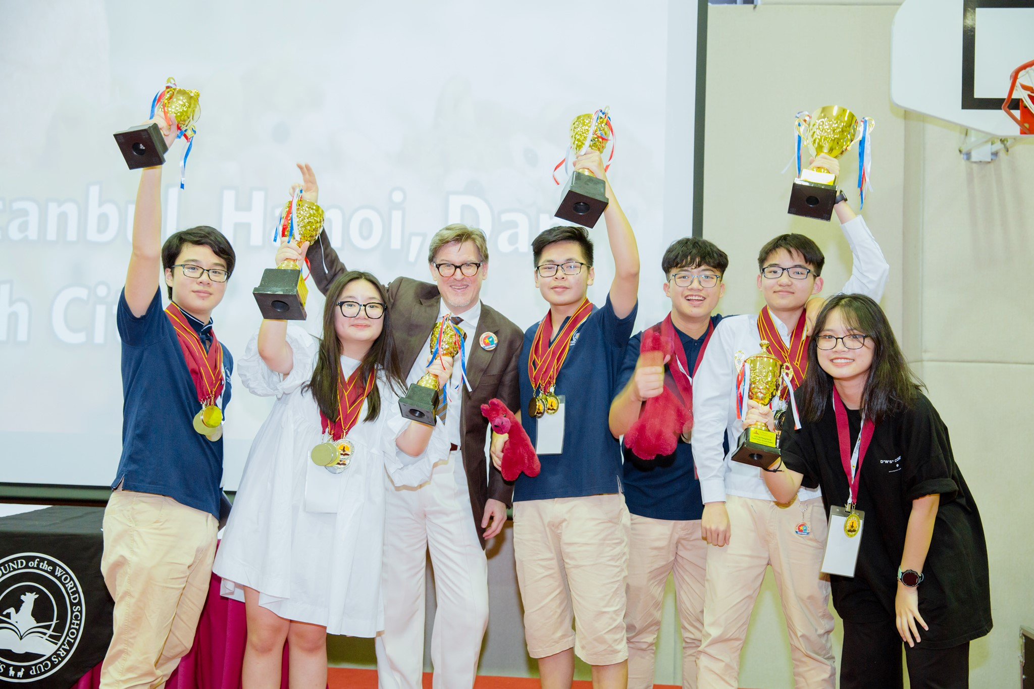 Vinschool Imperia hosted the World Scholar's Cup regional competition